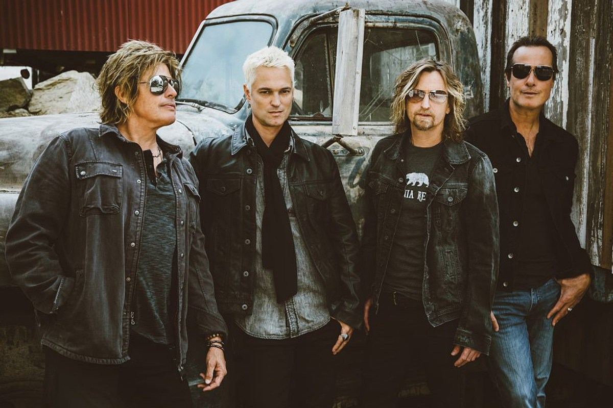 "Stone Temple Pilots Release New Song ""Meadow"" With New Singer"